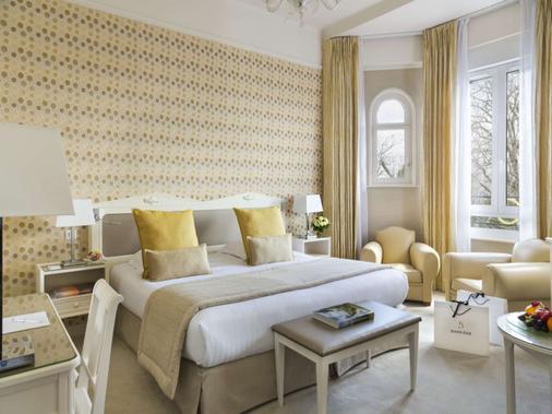 Hôtel Barrière Le Westminster - Le Touquet - Bedroom