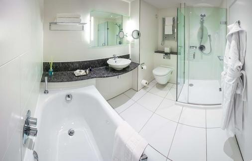 Bedford Lodge Hotel & Spa - Newmarket - Bathroom