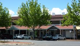 Adelaide Travellers Inn - Hostel - Adelaide - Building