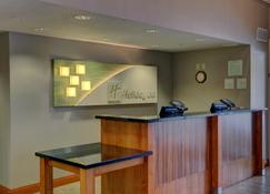 Holiday Inn Hotel & Suites-Milwaukee Airport - Milwaukee - Front desk