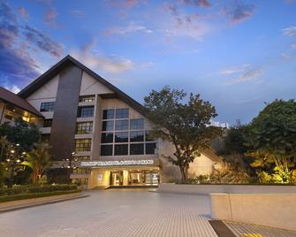 Holiday Villa Hotel & Conference Centre Subang - Subang Jaya - Building