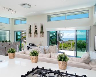 Proximity Waterfront Apartments - Redcliffe - Living room