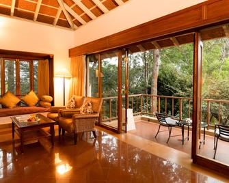 The Gateway Hotel Chikmagalur - Chikamagalur - Living room