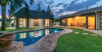 Orchid Luxury Boutique Guest House - Gaborone - Pool