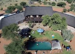 West Nest Lodge - Gobabis - Building