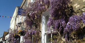Wisteria House - Lymington - Outdoors view