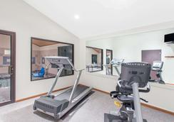 Super 8 by Wyndham Dodgeville - Dodgeville - Gym