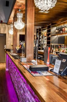 Cromer Country Club by Diamond Resorts - Cromer - Bar