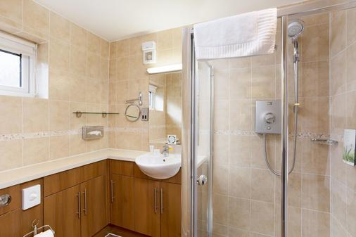 Cromer Country Club by Diamond Resorts - Cromer - Bathroom