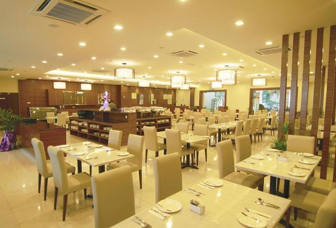 Bayou Lagoon Park Resort - Malacca - Restaurant