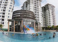 Bayou Lagoon Park Resort - Малакка - Басейн