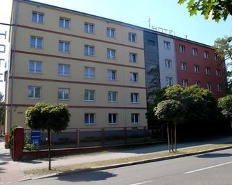 Hotel Malinowski Economy - Gliwice - Building