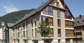 Aparthotel Nou Vielha - Viella - בניין