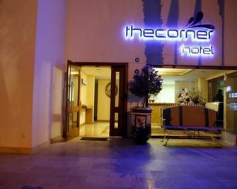 The Corner Hotel - Bitez - Building