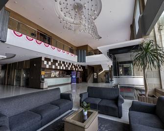 Kristal Hotel Kupang - Kupang - Lobby