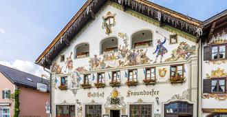 Hotel & Gasthof Fraundorfer - גרמיש-פרטנקירכן - בניין