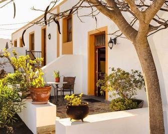 Casa Rural Villa Lola Y Juan - Haría - Building