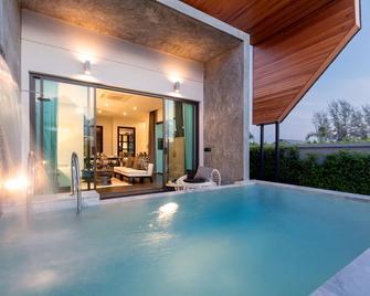 The 8 Pool Villa - Chalong - Bazén
