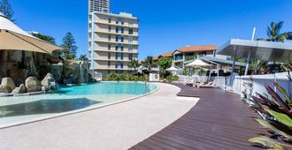 Mantra Wings - Surfers Paradise - Piscina