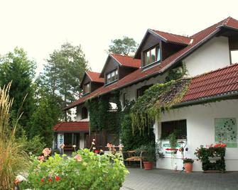 Hotel Und Restaurant Haus Irmer - Котбус - Здание