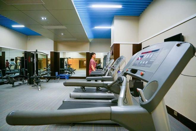Wyndham Grand Plaza Royale Ningbo - Ningbo - Gym