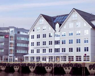 Clarion Collection Hotel With - Tromsø - Building