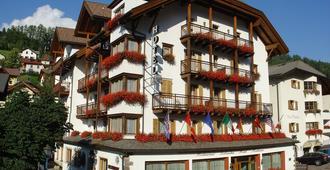 Hotel Dolomiti Madonna - אורטיסיי - בניין