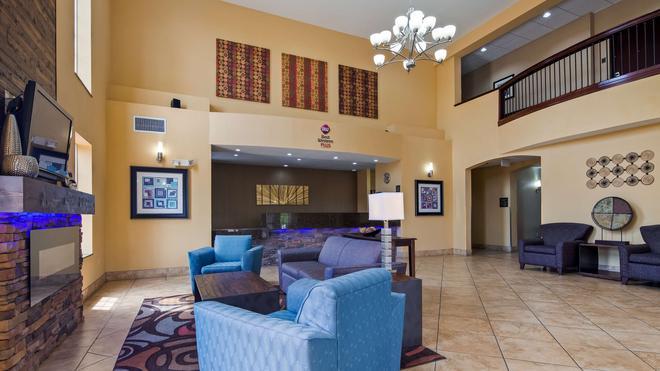 Best Western Plus Eastgate Inn & Suites - Wichita - Lobby