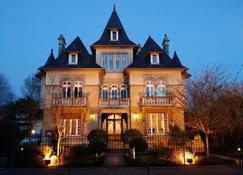 Le Castel Guesthouse - Bayeux - Rakennus