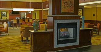 Hampton Inn & Suites Norfolk-Airport - Norfolk - Lobby
