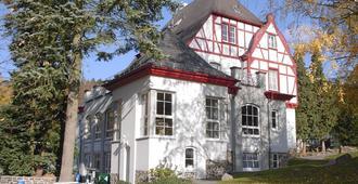 Waldhotel Forsthaus Remstecken - קובלנץ - בניין