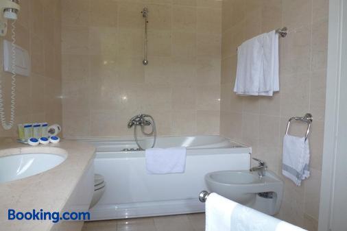 Hotel Royal - Stresa - Bathroom