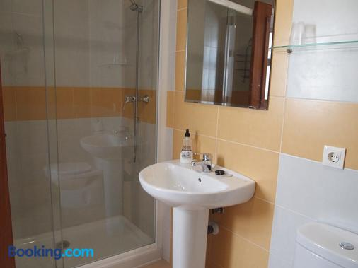Hostal Tres Soles - Nerja - Bathroom
