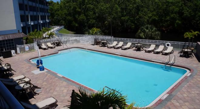 Best Western Naples Plaza Hotel - Naples - Piscina