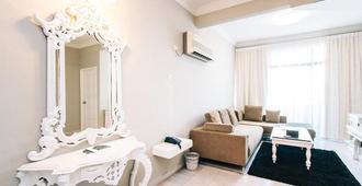 Century Bay Private Residences - Penang