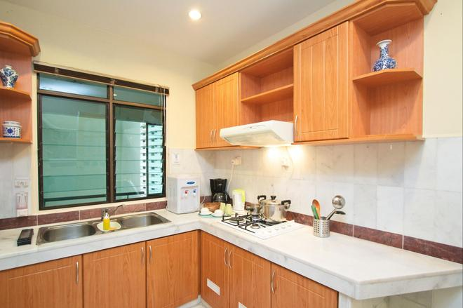 Century Bay Private Residences - George Town - Kitchen