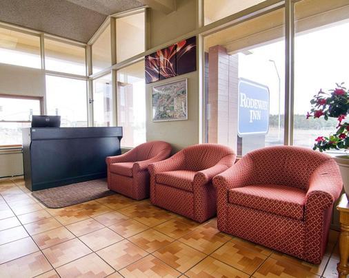 Rodeway Inn - Flagstaff - Lobby