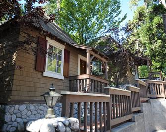Saddleback Inn - Lake Arrowhead - Edificio