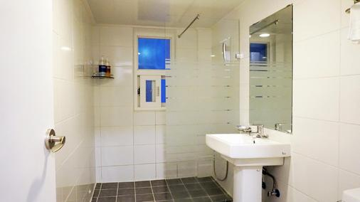 Hotel Gaon J Stay - Seogwipo - Bathroom