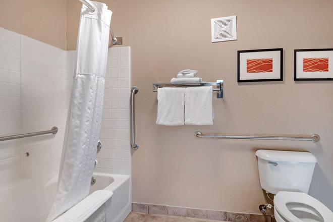 Comfort Inn & Suites - Salem - Bad
