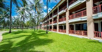 Katathani Phuket Beach Resort - Karon - Building