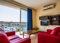 Blubay Apartments by ST Hotels - Gżira - Living room