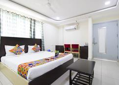 Fabhotel Siri Inn Madhapur - Hyderabad - Schlafzimmer