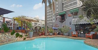 40 Winks Guest House Green Point Cape Town - Ciudad del Cabo - Pileta
