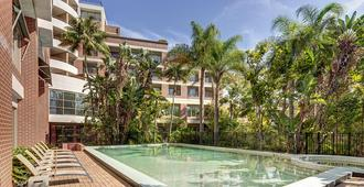 Adina Apartment Hotel Sydney Surry Hills - Sydney - Piscine