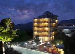 Pokhara Choice Inn - Pokhara - Edificio
