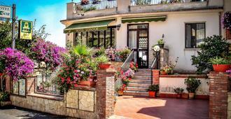 Hotel Condor - Taormina - Building