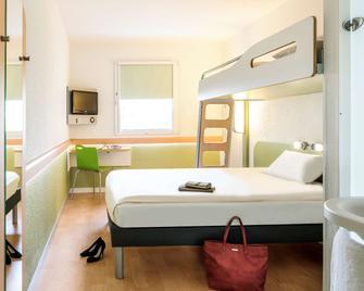ibis budget Grenoble Voreppe - Voreppe - Schlafzimmer