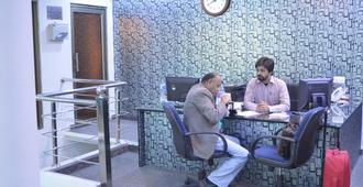 Hotel Corporate Inn - Лахор