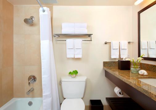 Park Shore Waikiki - Honolulu - Bathroom
